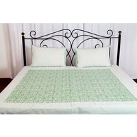 Threads and Beds 1 Double bedsheet with 2 pillow Covers, multicolor
