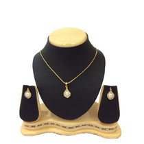 Shriya Beautiful Pearl Gold Plated Pendant Set With Chain