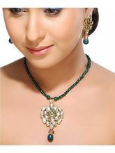 Kundan Pendant Set With Emerald Beads And String