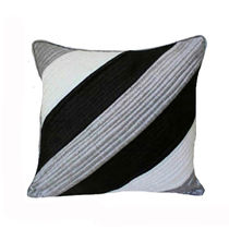 India Furnish Quilt Black Cushion Covers (Pack Of 5)
