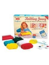 Knitting Jenny (Multicolor)